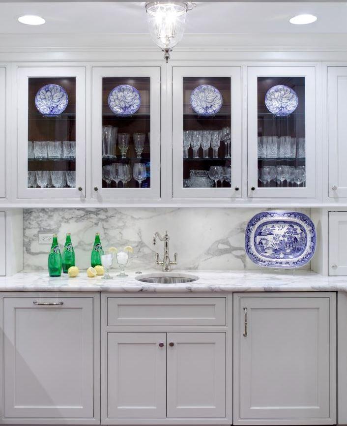 armarios puertas transparentes cocina