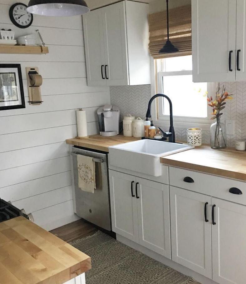 pintar paredes de cocina con muebles blancos
