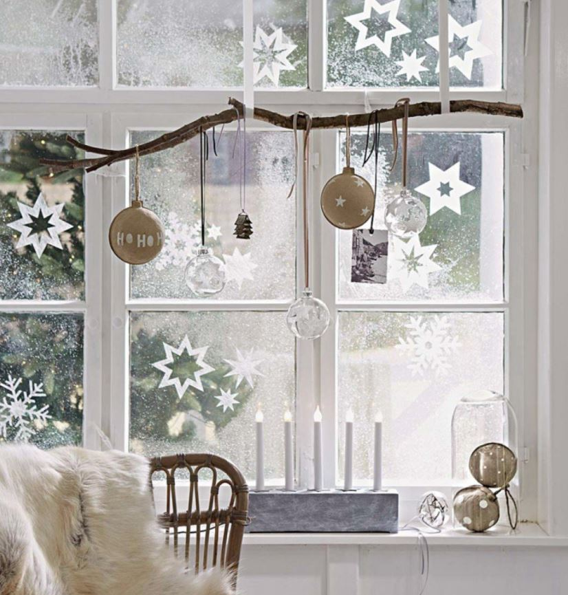 como decorar ventanas con spray de nieve