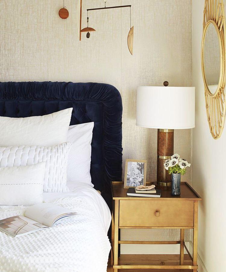 decoracion de dormitorios matrimoniales modernos accesorios dorados