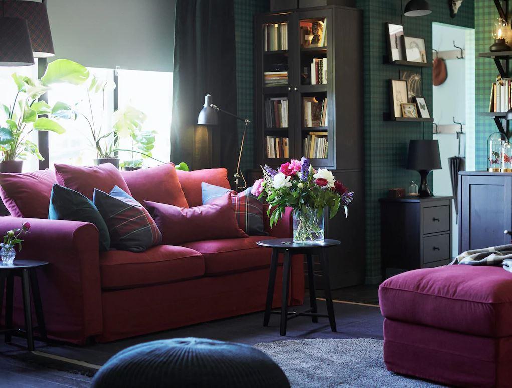decoracion de salon comedor con muebles oscuros