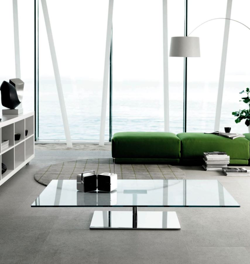 mesa de centro en acrilico transparente