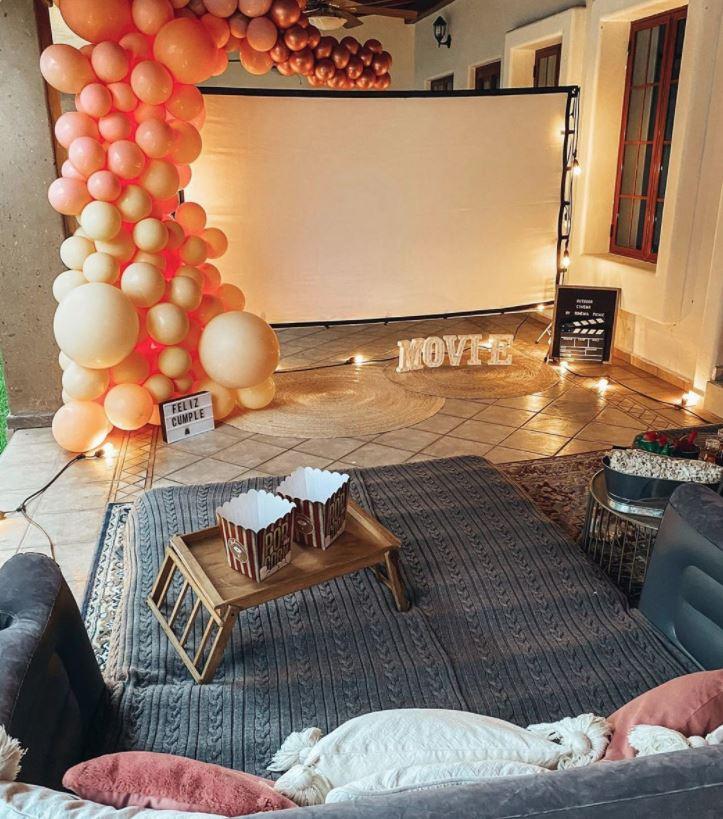 sala de cine en casa para niños