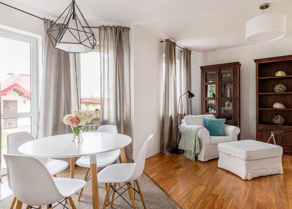 sala de estar pequeña minimalista