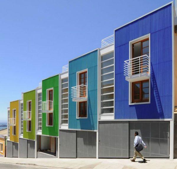 apartamento de colores alegres fachadas