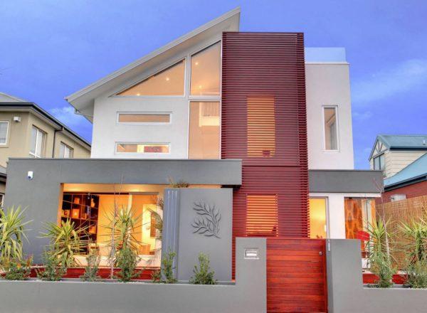 casa de color rojo por fuera