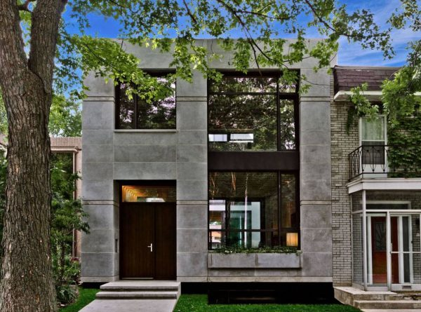 fachada de casa de piedra natural