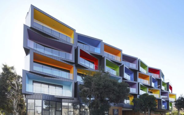 fachadas de pisos modernos colores