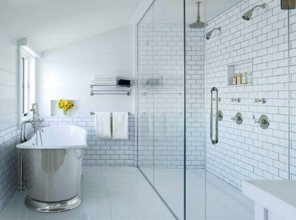 baño con ducha y bañera juntos