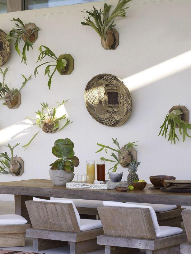 como decorar un patio interior con poco dinero