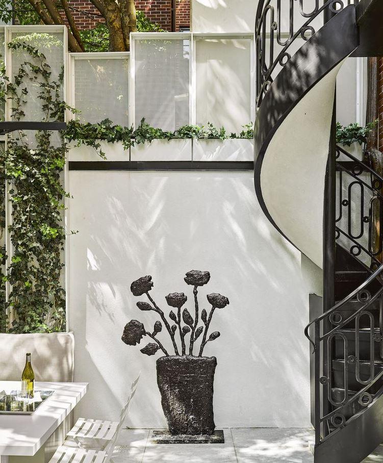 como decorar un patio interior sin sol