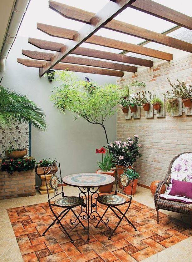 decorar patio interior cerrado