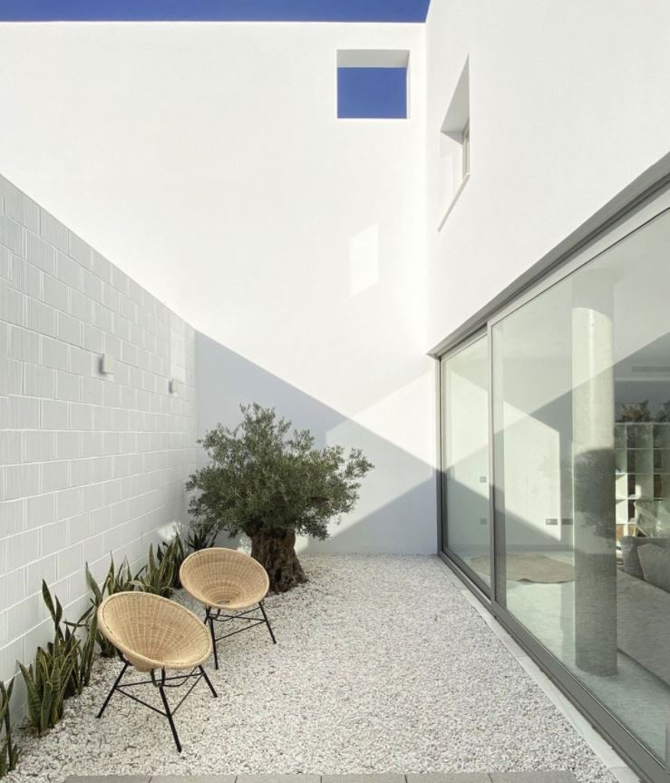 patio interior moderno minimalista