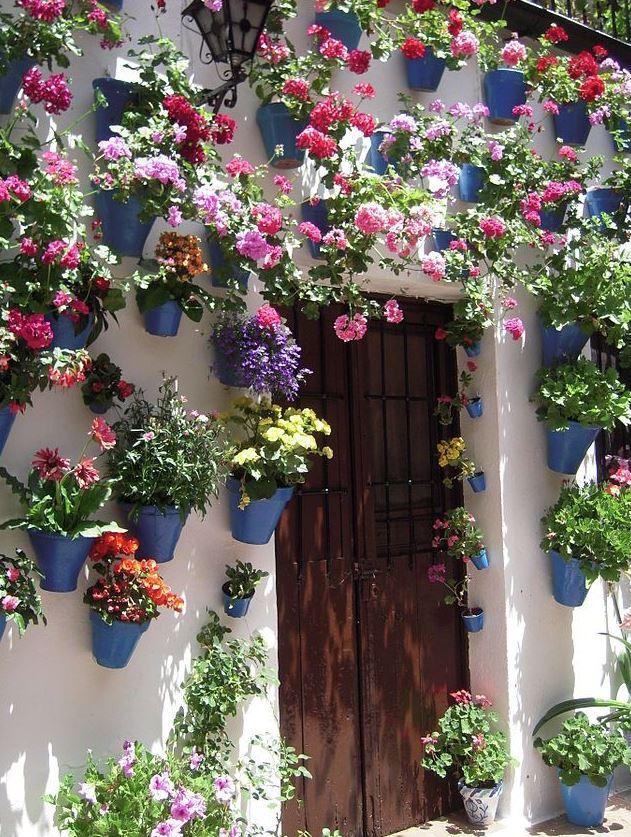 patios andaluces con flores