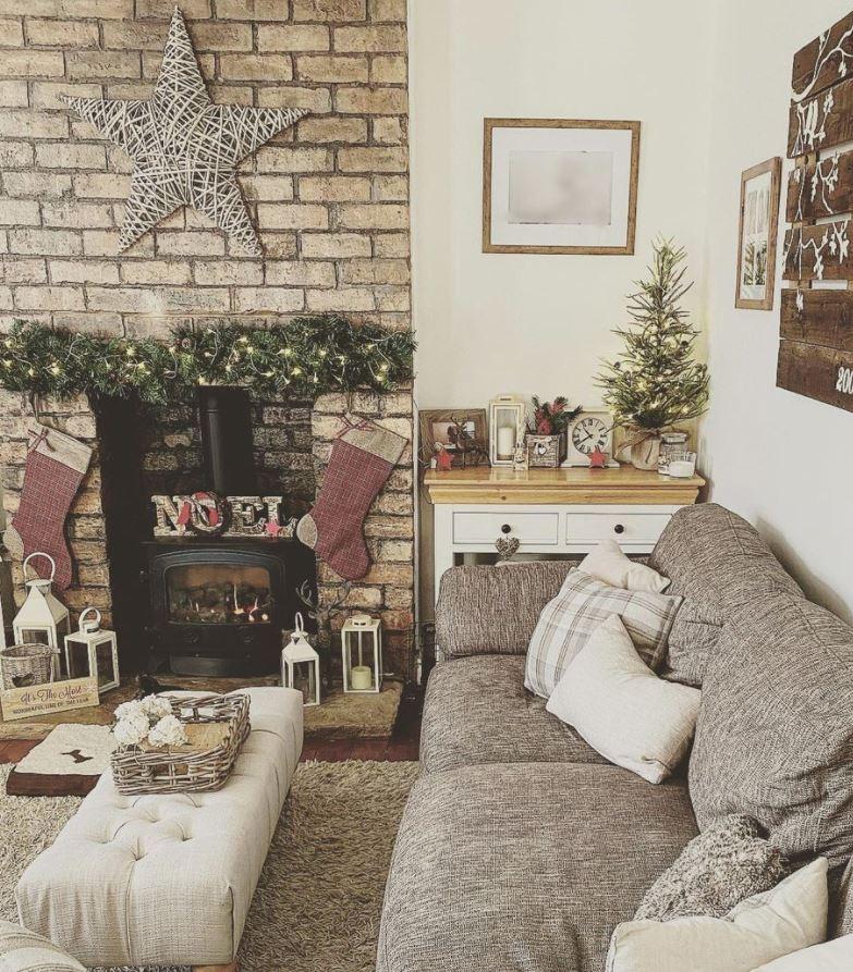 salones con paredes de piedra navidad