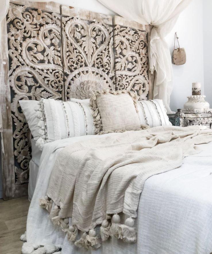 dormitorio blanco cabecero madera restaurado