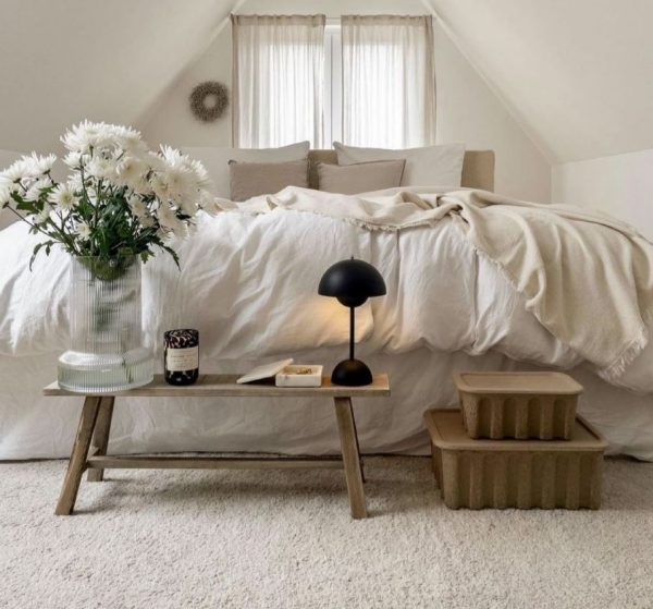 habitaciones en gris y blanco