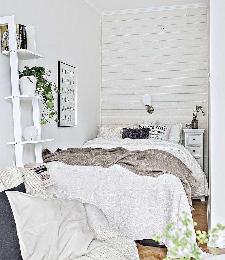 paredes blancas con muebles blancos