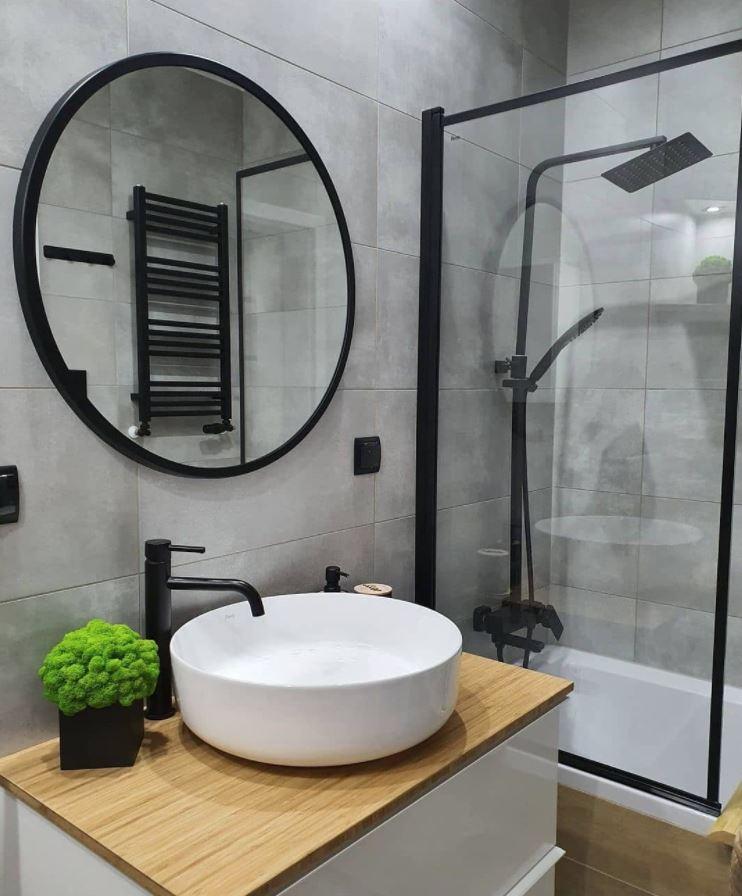 plantas para baños oscuros