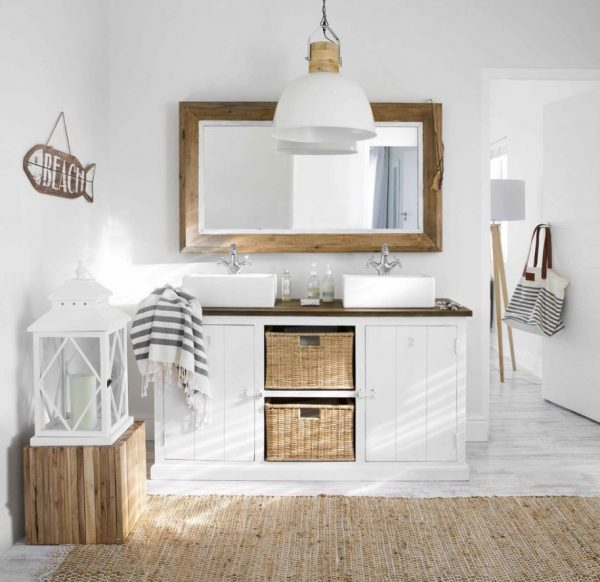 Como dar luz natural a un baño interior