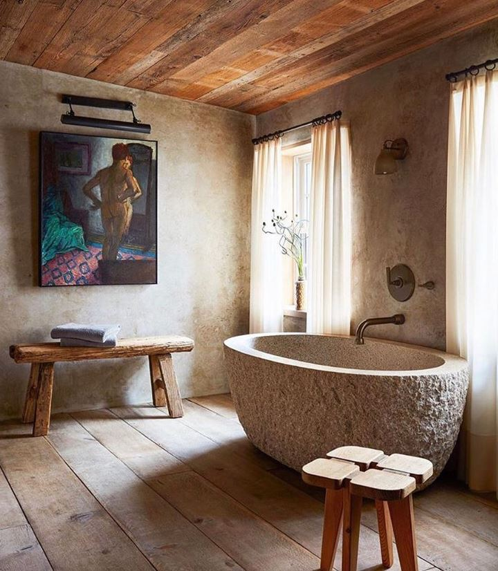 bañera de piedra antigua natural