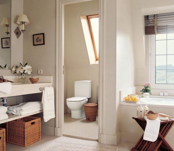 baño en suite sin puerta