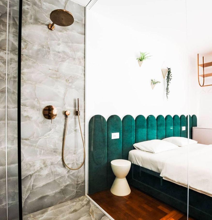 baños pequeños dentro de la habitacion