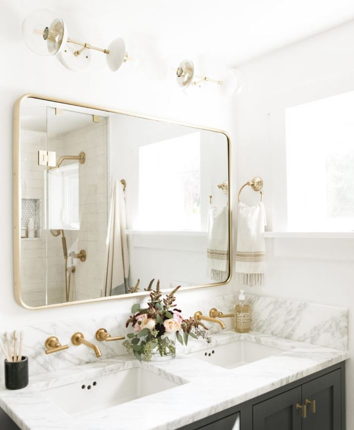 cómo adornar un espejo de baño