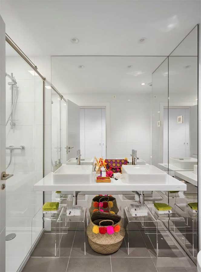 cómo iluminar un cuarto de baño pequeño