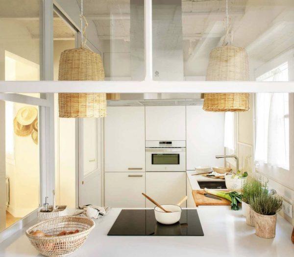 cocina rustica blanca y madera