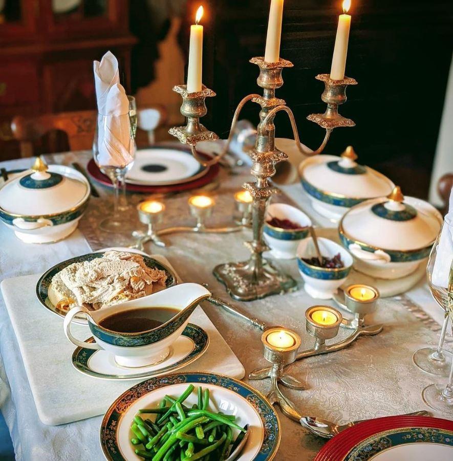 como decorar la mesa del comedor en navidad