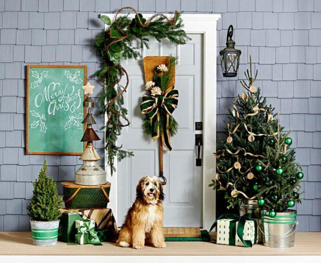 como decorar una puerta en Navidad