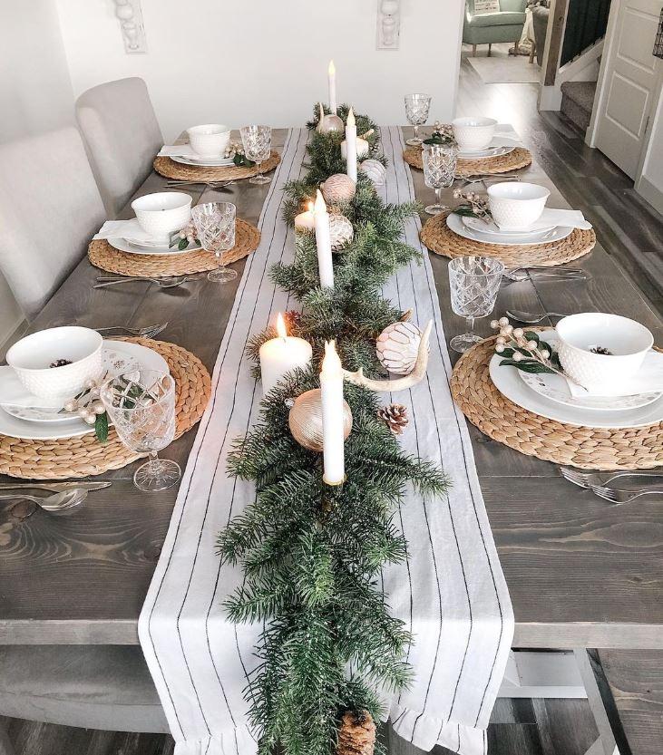 como poner una mesa de navidad sencilla