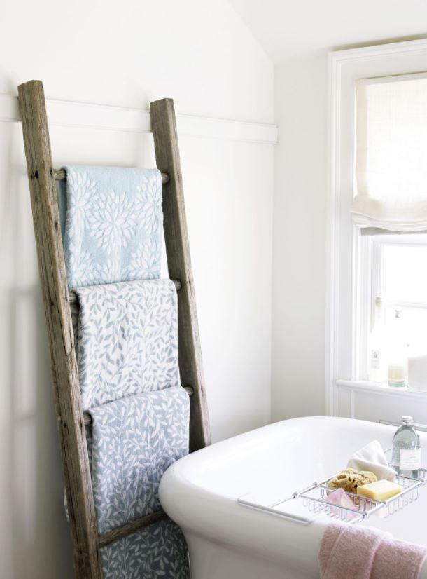 cuartos de baño rusticos pequeños escaleras de madera