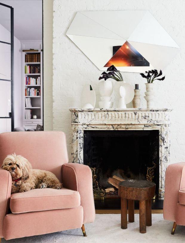 decoración de salones con chimeneas modernas
