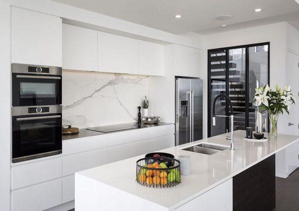 decoracion de cocinas en negro y blanco