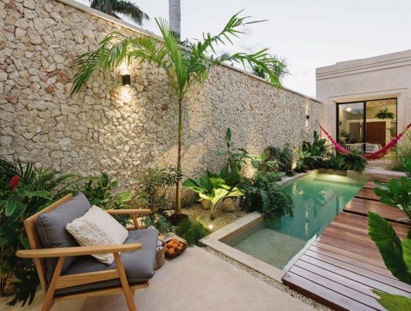 decorar jardines pequeños con piscina