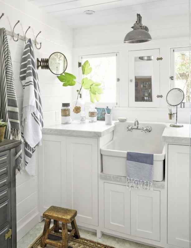 elementos decorativos para baños pequeños