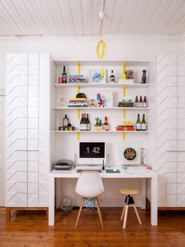 escritorio con estanterias bonitas