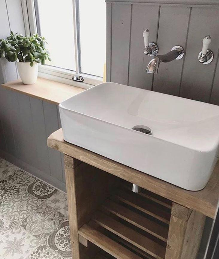 griferia doble salida baño rustico
