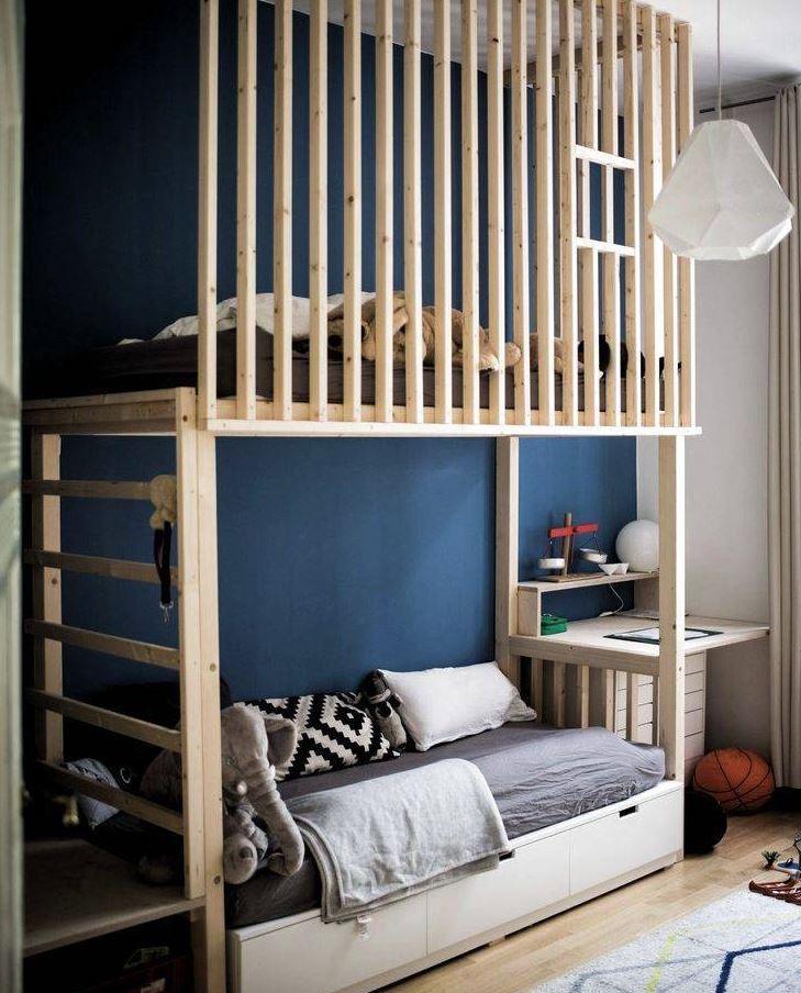 habitaciones con literas y escritorio