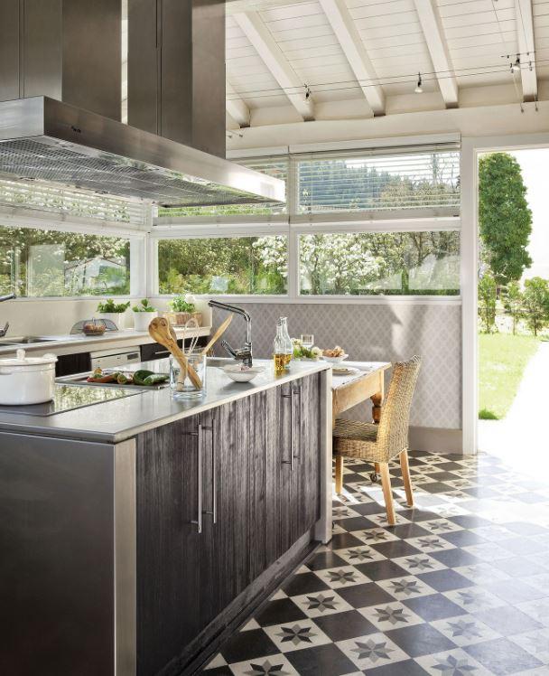 isla de cocina con mesa extensible