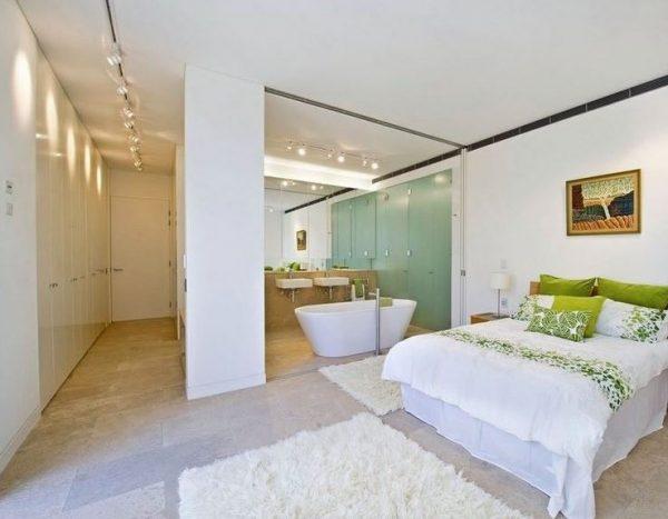 lavabo bañera en la misma habitacion