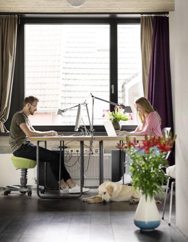 oficina de trabajo para 2 personas en casa